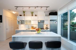 """Photo 14: 604 1252 HORNBY Street in Vancouver: Downtown VW Condo for sale in """"PURE"""" (Vancouver West)  : MLS®# R2552588"""