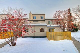 Photo 1: 404 1540 29 Street NW in Calgary: St Andrews Heights Apartment for sale : MLS®# C4281452