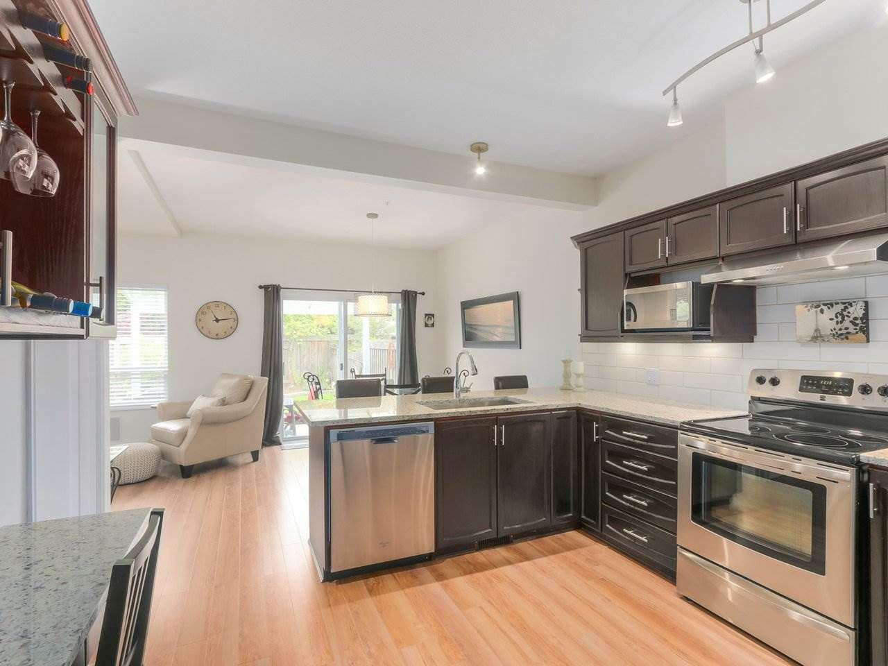 """Photo 6: Photos: 21 998 RIVERSIDE Drive in Port Coquitlam: Riverwood Townhouse for sale in """"PARKSIDE PLACE"""" : MLS®# R2371728"""