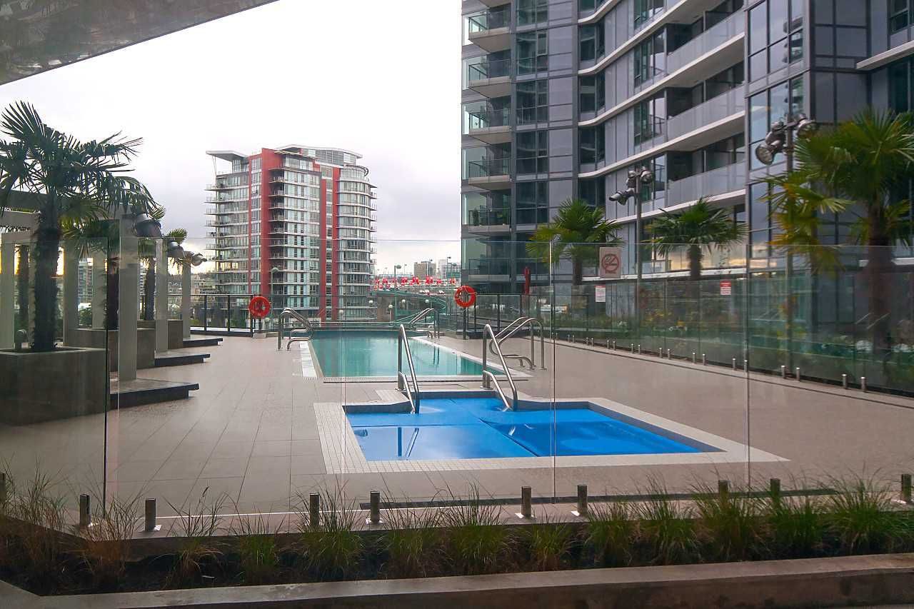 """Photo 18: Photos: 1908 68 SMITHE Street in Vancouver: Downtown VW Condo for sale in """"1 PACIFIC"""" (Vancouver West)  : MLS®# R2244187"""