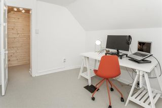 Photo 40: 203 Walnut Street in Winnipeg: Wolseley Residential for sale (5B)  : MLS®# 202112718