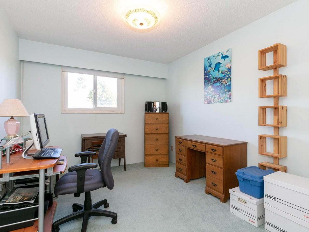 Photo 18: Photos: 1422 GROVER Avenue in Coquitlam: Central Coquitlam House for sale : MLS®# R2568207