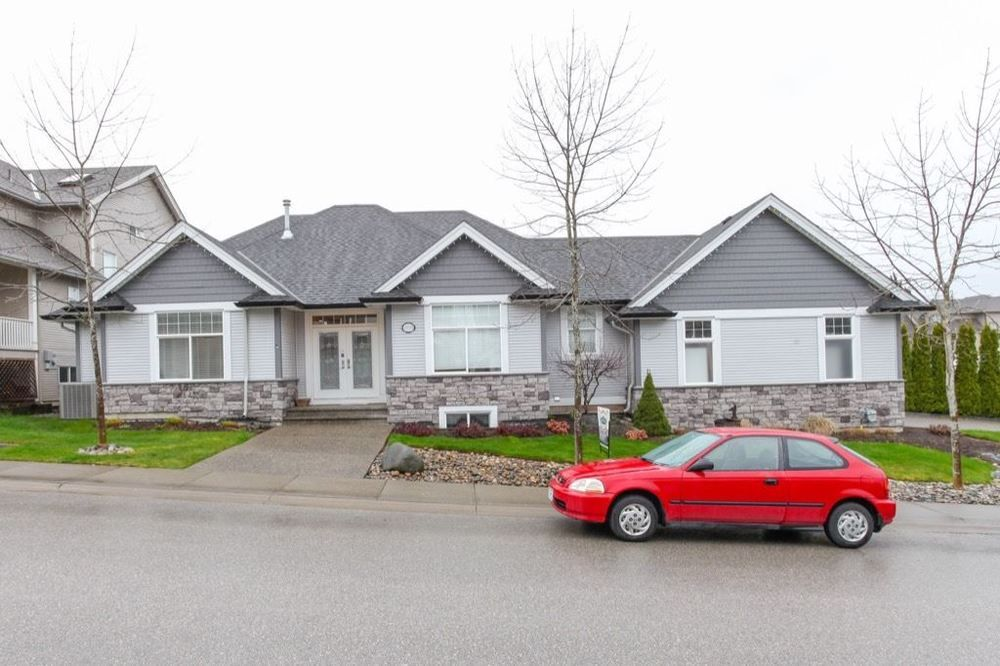 Main Photo: 19755 68A AVENUE in Langley: Home for sale : MLS®# R2153628