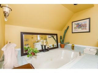 """Photo 13: 7923 MEADOWOOD Drive in Burnaby: Forest Hills BN House for sale in """"FOREST HILLS"""" (Burnaby North)  : MLS®# R2070566"""