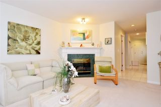 """Photo 3: 146 15550 26 Avenue in Surrey: King George Corridor Townhouse for sale in """"Sunnyside Gate"""" (South Surrey White Rock)  : MLS®# R2029140"""