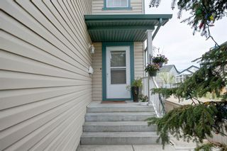 Photo 4: 50 Martha's Place NE in Calgary: Martindale Detached for sale : MLS®# A1119083