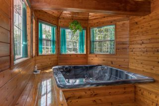 """Photo 9: 41383 DRYDEN Road in Squamish: Brackendale House for sale in """"Eagle Run"""" : MLS®# R2163949"""