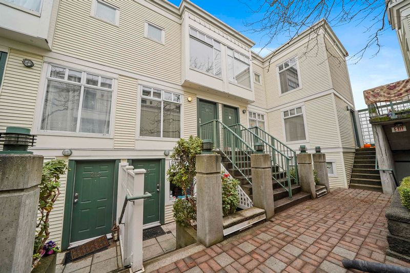 FEATURED LISTING: 310 - 3727 10TH Avenue West Vancouver
