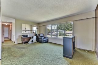 Photo 3: 32104 7TH Avenue in Mission: Mission BC House for sale : MLS®# R2588125