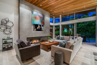 Photo 16: 4404 PARLIAMENT Crescent in North Vancouver: Forest Hills NV House for sale : MLS®# R2602269