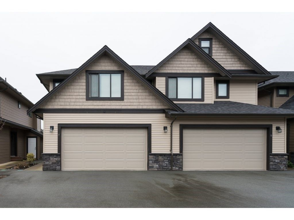 """Main Photo: 7 7411 MORROW Road: Agassiz Townhouse for sale in """"SAWYER'S LANDING"""" : MLS®# R2333109"""