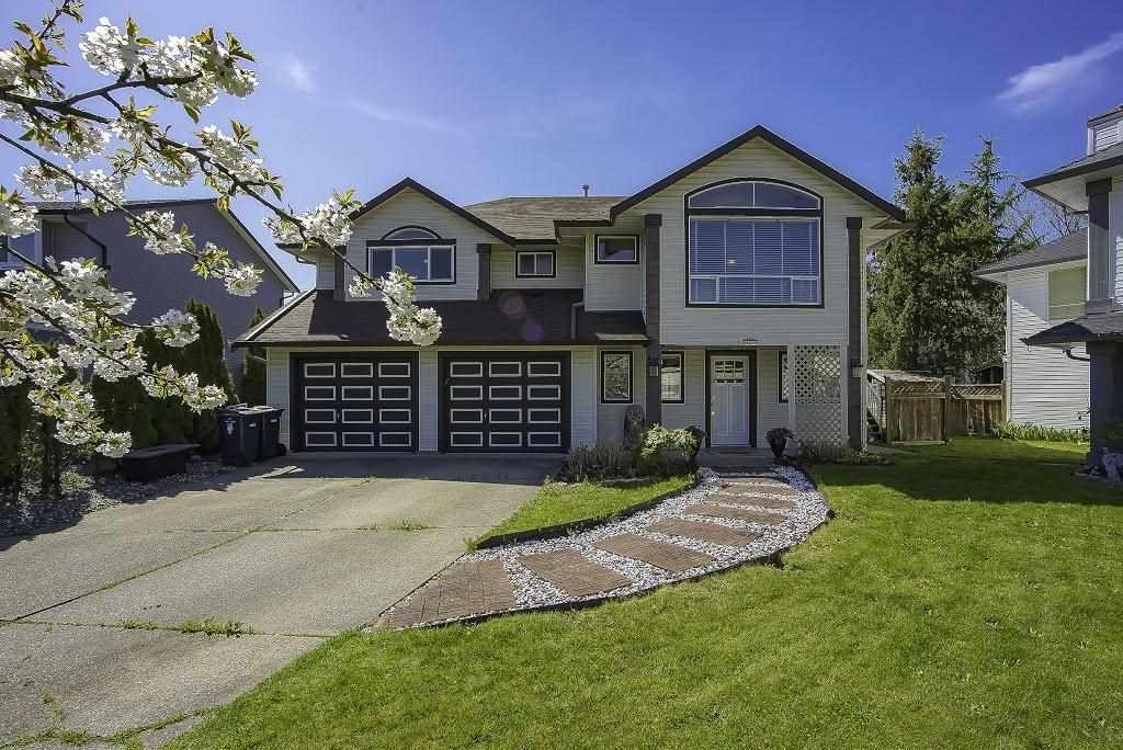 "Main Photo: 21425 90 Avenue in Langley: Walnut Grove House for sale in ""Walnut Grove"" : MLS®# R2450662"