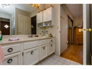 """Photo 14: 25 15875 20 Avenue in Surrey: King George Corridor Manufactured Home for sale in """"Searidge Bays"""" (South Surrey White Rock)  : MLS®# R2195866"""