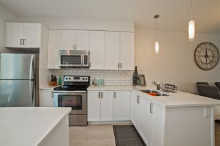 """Photo 5: 202 32789 BURTON Avenue in Mission: Mission BC Townhouse for sale in """"SILVER CREEK TOWNHOMES"""" : MLS®# R2261598"""