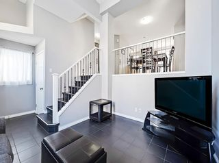 Photo 4: 3072 New Brighton Garden SE in Calgary: New Brighton Row/Townhouse for sale : MLS®# C4300460