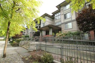 """Photo 2: 401 2468 ATKINS Avenue in Port Coquitlam: Central Pt Coquitlam Condo for sale in """"THE BORDEAUX"""" : MLS®# R2019309"""