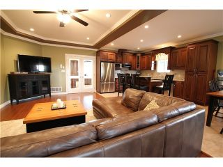 Photo 7: 8555 THORPE ST in Mission: Mission BC House for sale : MLS®# F1323075