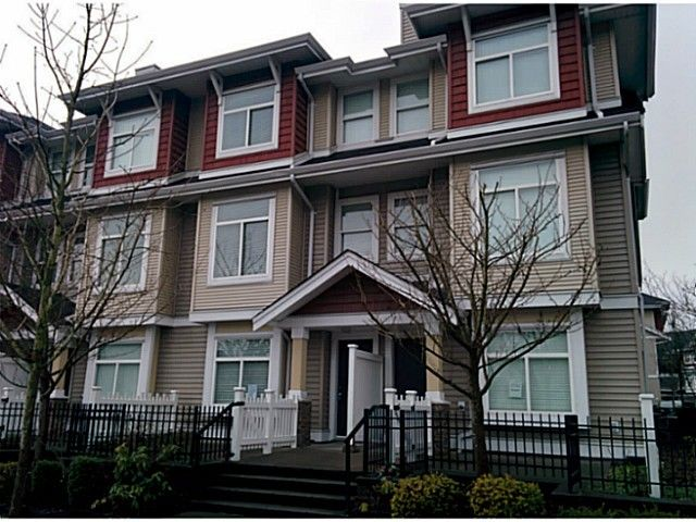 """Main Photo: 5 8655 159TH Street in Surrey: Fleetwood Tynehead Townhouse for sale in """"SPRINGFIELD COURT"""" : MLS®# F1406166"""