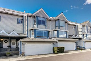 "Photo 1: 111 28 RICHMOND Street in New Westminster: Fraserview NW Townhouse for sale in ""Castleridge"" : MLS®# R2565218"