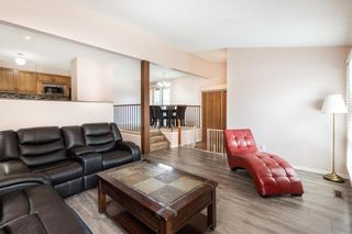 Photo 3: 30 Clearview Drive in Winnipeg: All Season Estates Residential for sale (3H)  : MLS®# 202020715