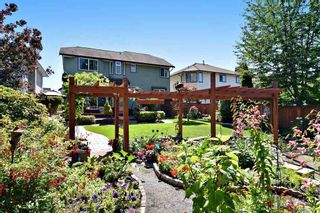 """Photo 18: 21547 87B Avenue in Langley: Walnut Grove House for sale in """"Forest Hills"""" : MLS®# R2101733"""