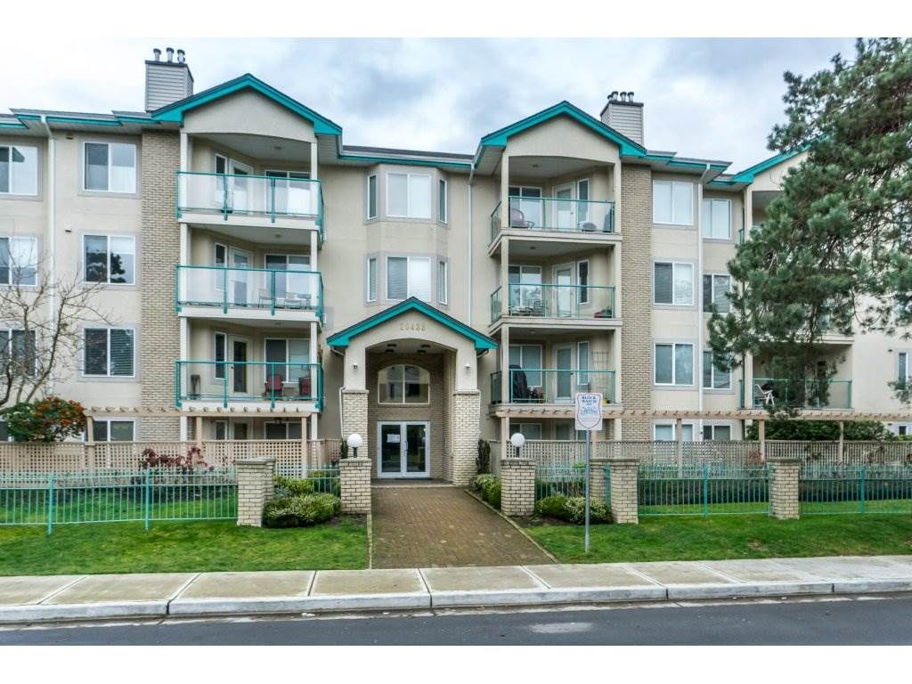 """Main Photo: 202 20433 53 Avenue in Langley: Langley City Condo for sale in """"Countryside Estates"""" : MLS®# R2332949"""