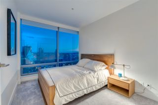 """Photo 19: 3307 1111 ALBERNI Street in Vancouver: West End VW Condo for sale in """"SHANGRI-LA"""" (Vancouver West)  : MLS®# R2558444"""