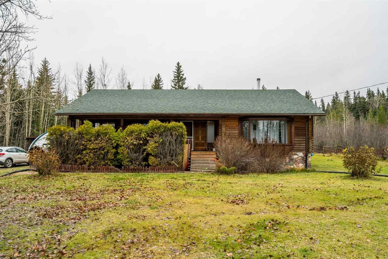 "Main Photo: 6120 CUMMINGS Road in Prince George: Pineview House for sale in ""PINEVIEW"" (PG Rural South (Zone 78))  : MLS®# R2515181"