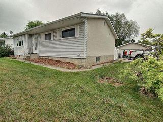 Photo 2: 27 Bristow Crescent: Spruce Grove House for sale : MLS®# E4249310