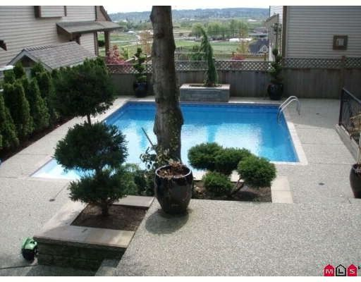 """Photo 8: Photos: 5878 165TH Street in Surrey: Cloverdale BC House for sale in """"BELL RIDGE ESTATES"""" (Cloverdale)  : MLS®# F2909609"""