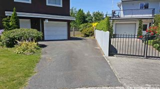 Photo 3: 604 LAKBERG Crescent: Harrison Hot Springs House for sale : MLS®# R2086543