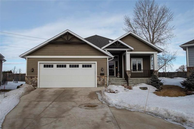 FEATURED LISTING: 23 - 381 Oak Forest Crescent Winnipeg