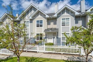 Photo 1: 3105 New Brighton Garden SE in Calgary: New Brighton Row/Townhouse for sale : MLS®# C4299217