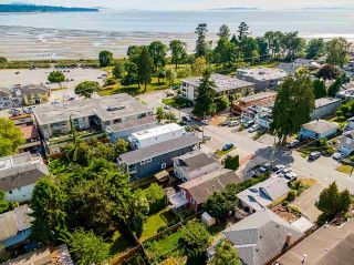 """Photo 34: 850 PARKER Street: White Rock House for sale in """"EAST BEACH"""" (South Surrey White Rock)  : MLS®# R2587340"""