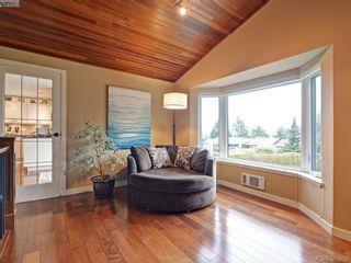 Photo 4: 4902 Alamida Cres in VICTORIA: SE Cordova Bay House for sale (Saanich East)  : MLS®# 763407
