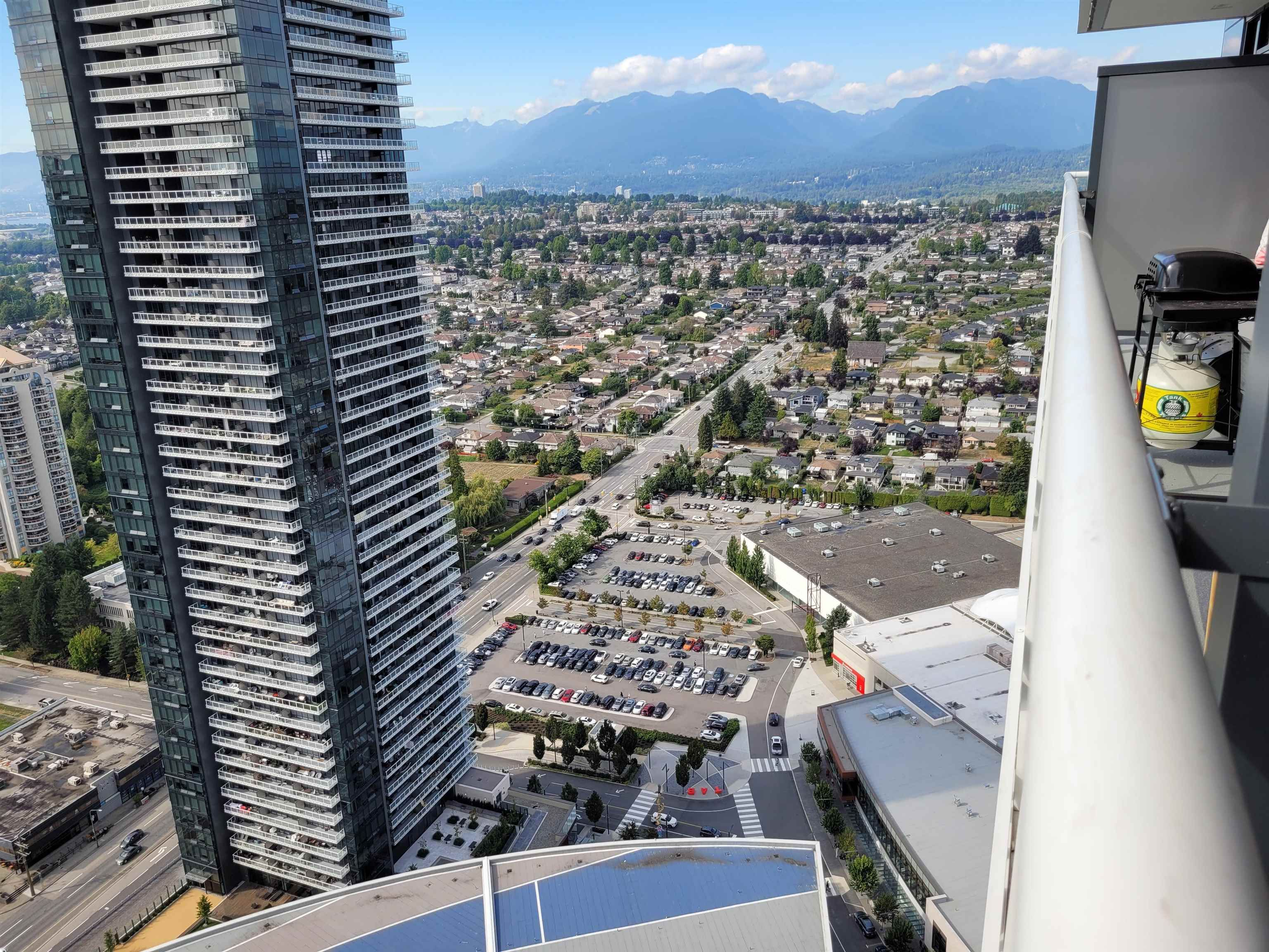 """Main Photo: 4207 1955 ALPHA Way in Burnaby: Brentwood Park Condo for sale in """"The Amazing Brentwood 2"""" (Burnaby North)  : MLS®# R2612060"""