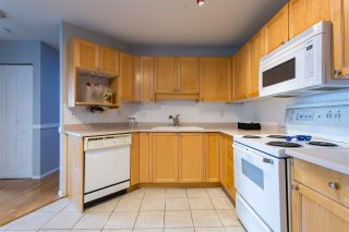 """Photo 8: 304 5450 208 Street in Langley: Langley City Condo for sale in """"Montgomery Gate"""" : MLS®# R2410335"""