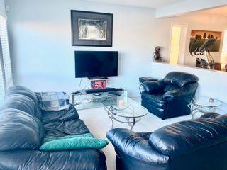 Photo 11: 1157 HYNDMAN Road NW in Edmonton: Zone 35 House for sale : MLS®# E4266521