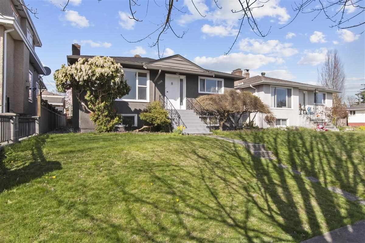 Main Photo: 1475 E 59TH Avenue in Vancouver: Fraserview VE House for sale (Vancouver East)  : MLS®# R2566405
