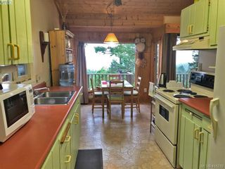 Photo 4: 9813 Spalding Rd in PENDER ISLAND: GI Pender Island House for sale (Gulf Islands)  : MLS®# 825595