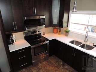 Photo 7: 549 Rathgar Avenue in Winnipeg: Fort Rouge Residential for sale (1Aw)  : MLS®# 1824156