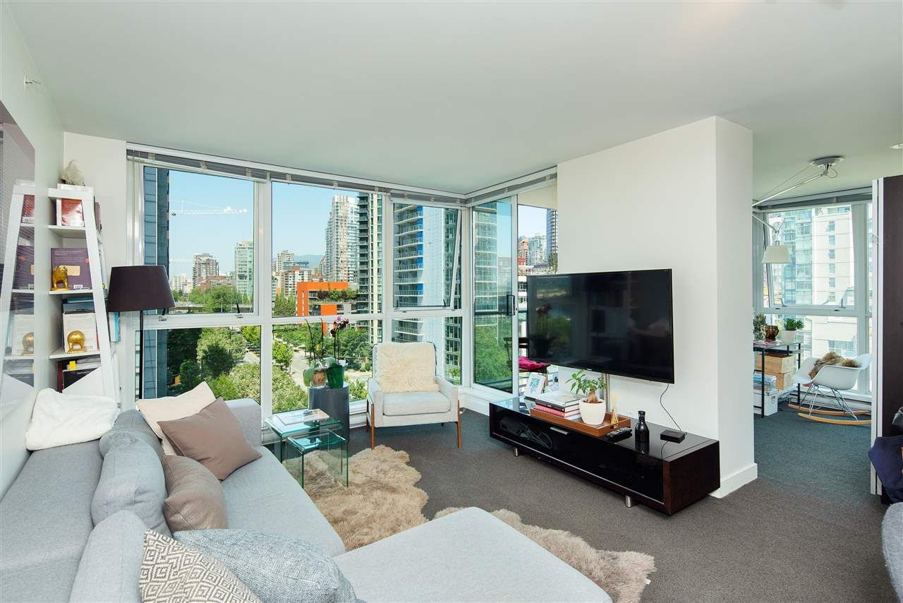 Main Photo: 1106 1408 STRATHMORE MEWS in Vancouver: Yaletown Condo for sale (Vancouver West)  : MLS®# R2285517