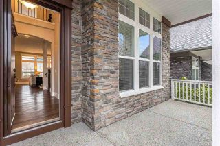 Photo 2: 2677 164 Street in Surrey: Grandview Surrey House for sale (South Surrey White Rock)  : MLS®# R2537671