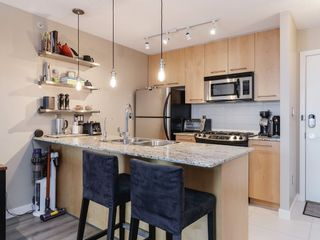 Photo 4: 703-2979 Glen Drive in Coquitlam: North Coquitlam Condo for sale : MLS®# R2455650