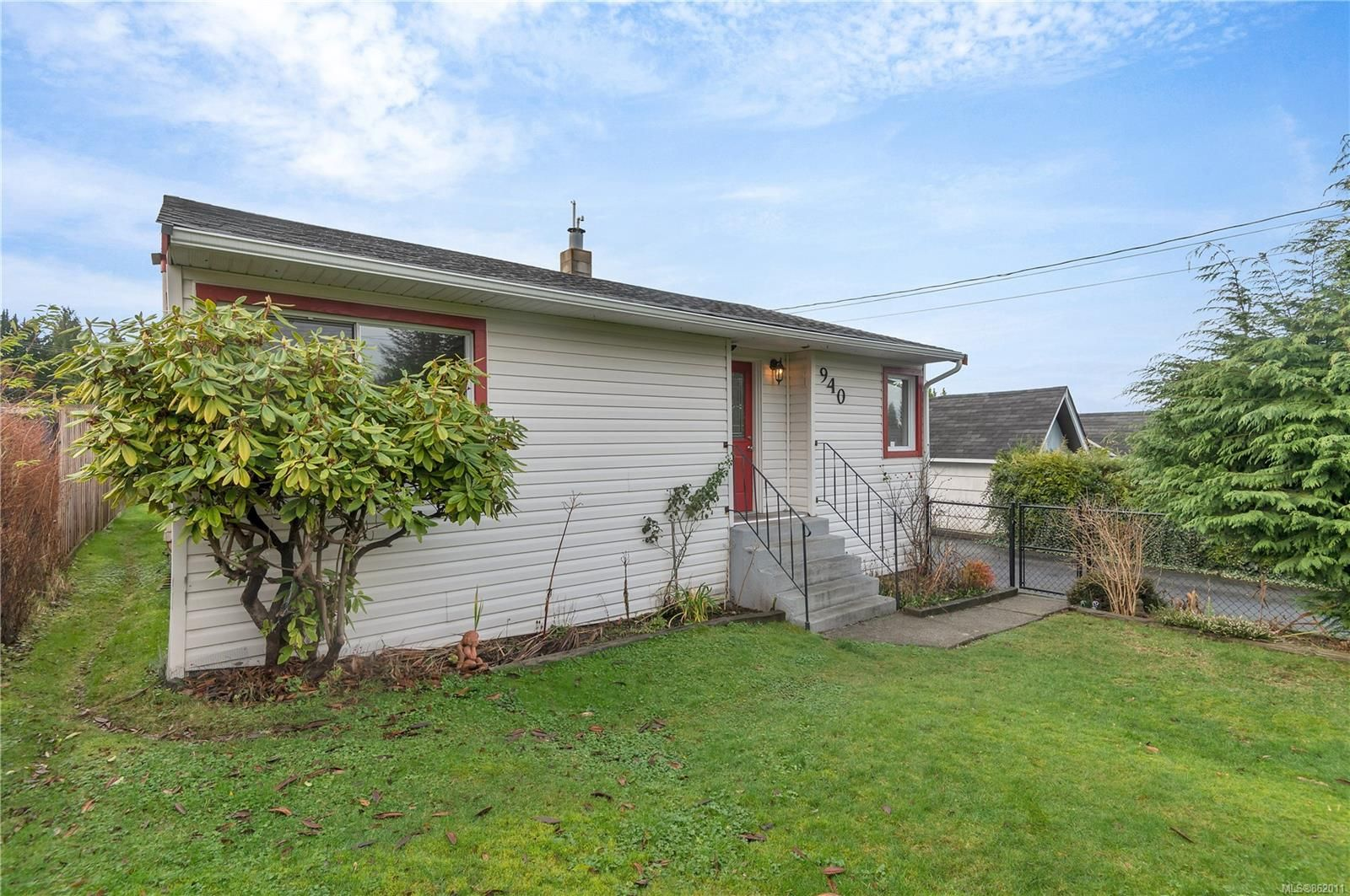 Main Photo: 940 Fir St in : CR Campbell River Central House for sale (Campbell River)  : MLS®# 862011