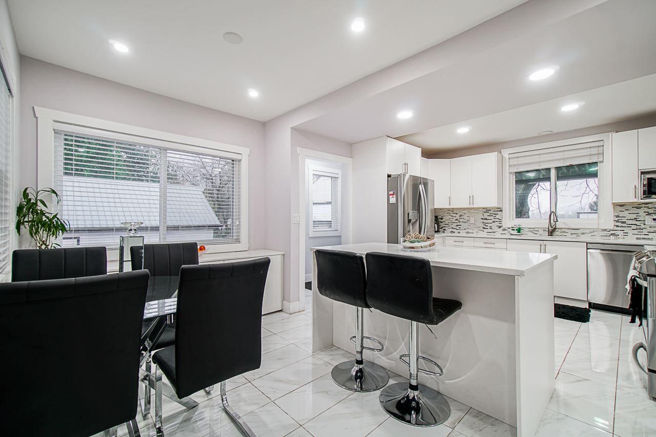 Photo 3: Photos: 4095 ECKERT Street: Yarrow House for sale : MLS®# R2521837