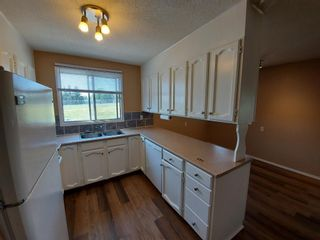 Photo 12: 2 Edgedale Court NW in Calgary: Edgemont Semi Detached for sale : MLS®# A1129985