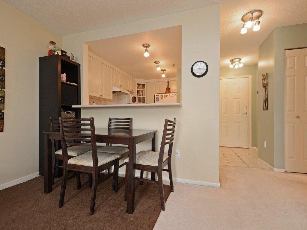 Photo 8: Photos: 412 1575 BEST Street: White Rock Condo for sale (South Surrey White Rock)  : MLS®# R2299527