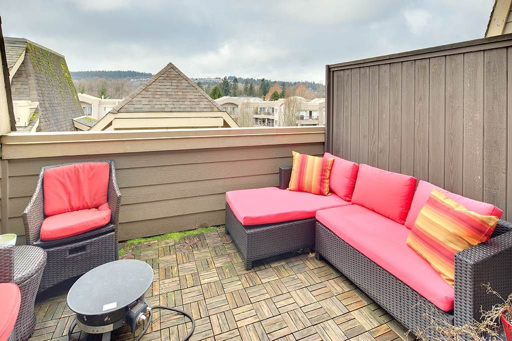 """Main Photo: TH 224 2108 ROWLAND Street in Port Coquitlam: Central Pt Coquitlam Townhouse for sale in """"AVIVA AT THE PARK"""" : MLS®# R2231889"""