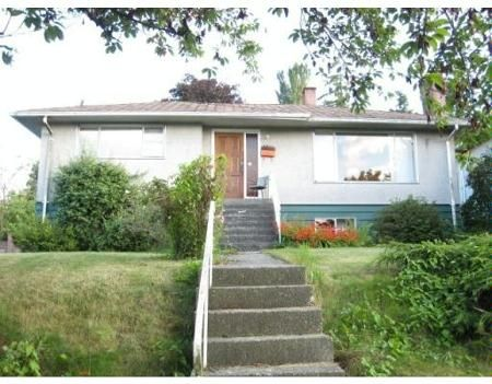 Main Photo: 4864 BOND ST in Burnaby: House for sale (Forest Glen BS)  : MLS®# V660925